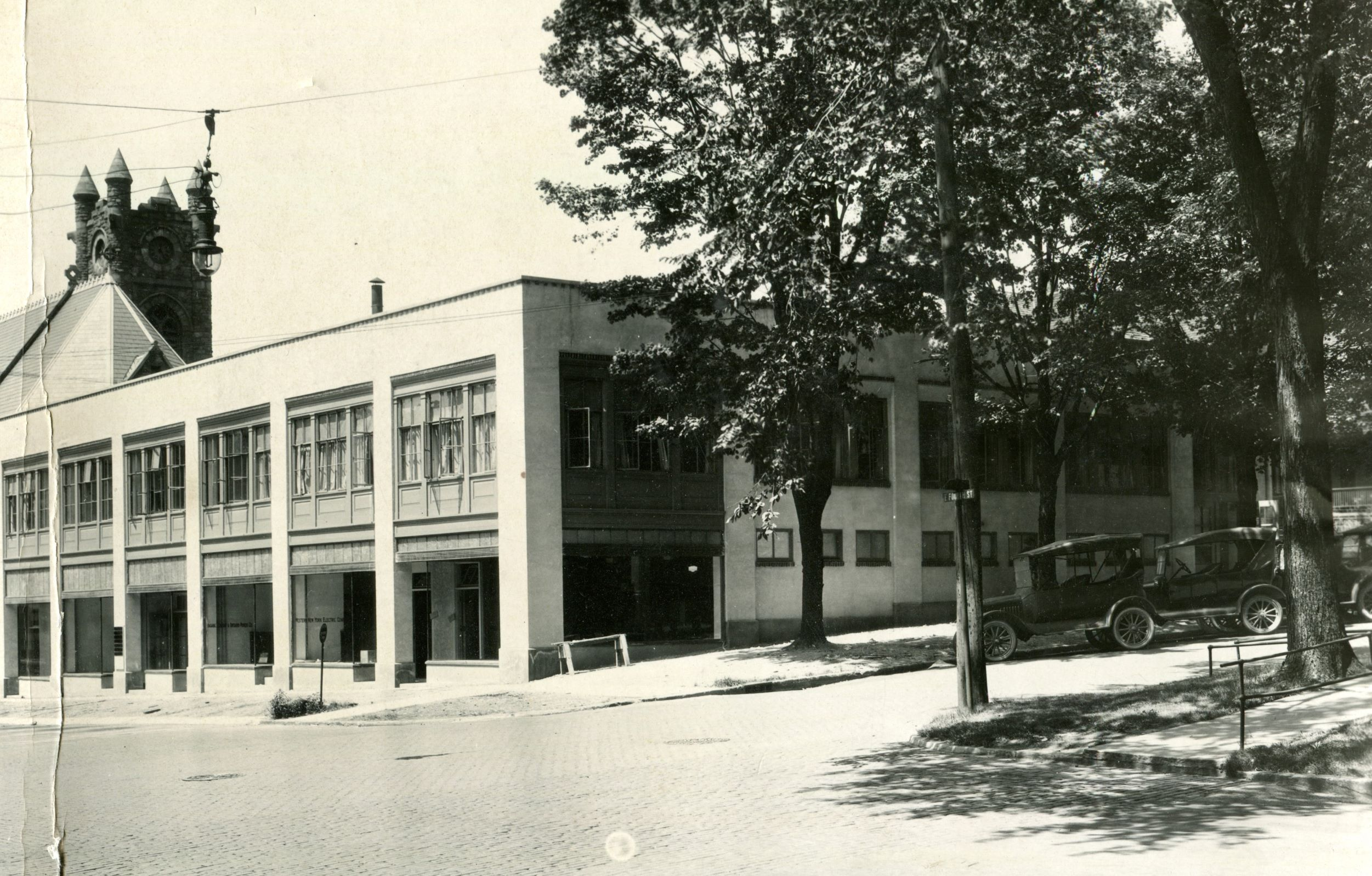 Fourth and Pine Professional Building, Jamestown, NY, as it appeared in the 1920s. Photo courtesy Paul Marlinski.